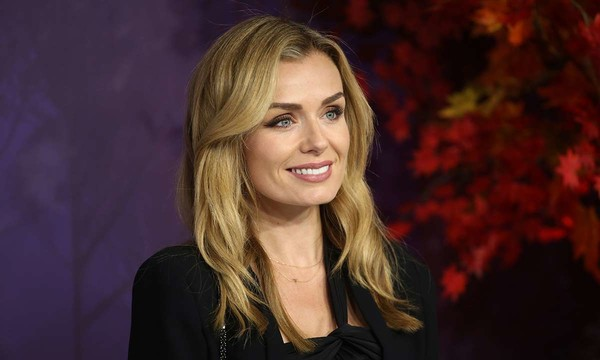 Restless London: Katherine Jenkins mugged after trying to stop gang attack elderly lady