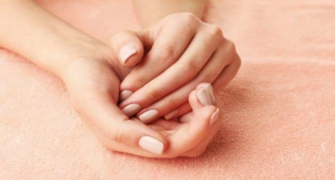 Know the causes and remedies of fingertips peeling