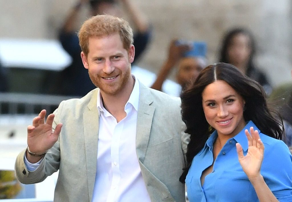 Rebel Meghan Markle escapes to Canadan to avoid royal wrath