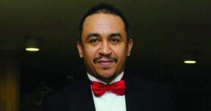 'Please forgive me' Daddy Freeze Finally begs Pastor Adeboye