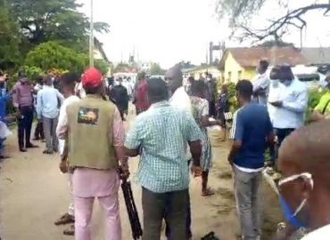 'Protests' One dead as hoodlums loot COVID-19 food items in Edo warehouse