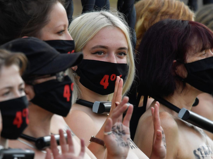 'Extinction Rebellion' 30 braless women protest outside Britain House of Parliament (Photos)