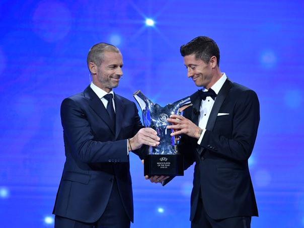 'Congrats!' Robert Lewandowski wins UEFA Men's Player of the Year award
