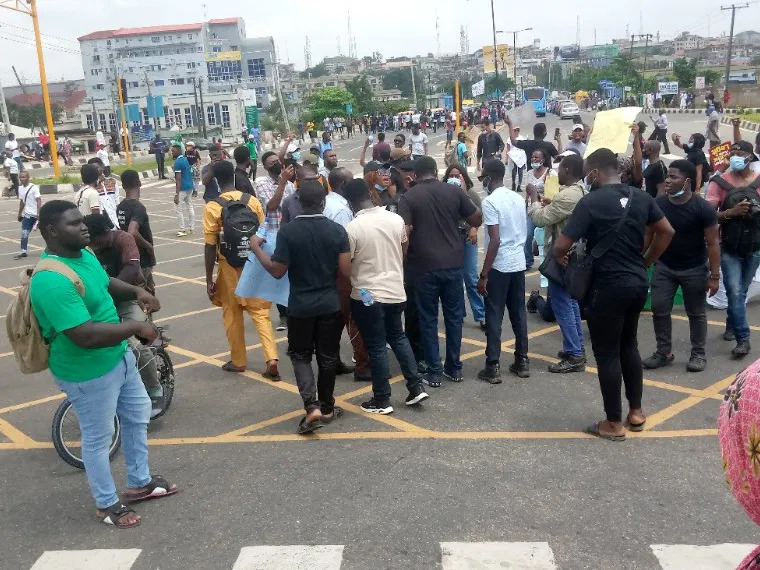 'EndSARS' Lagos protesters reject food, drinks sent by NURTW chief, MC Oluomo