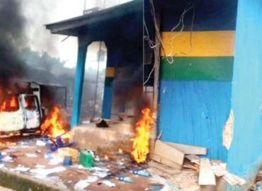 'Getting worst…' Two policemen dead as command goes up in flame in Lagos