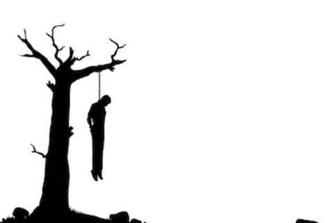 'Bizarre' Woman hung after dying while waiting for her turn