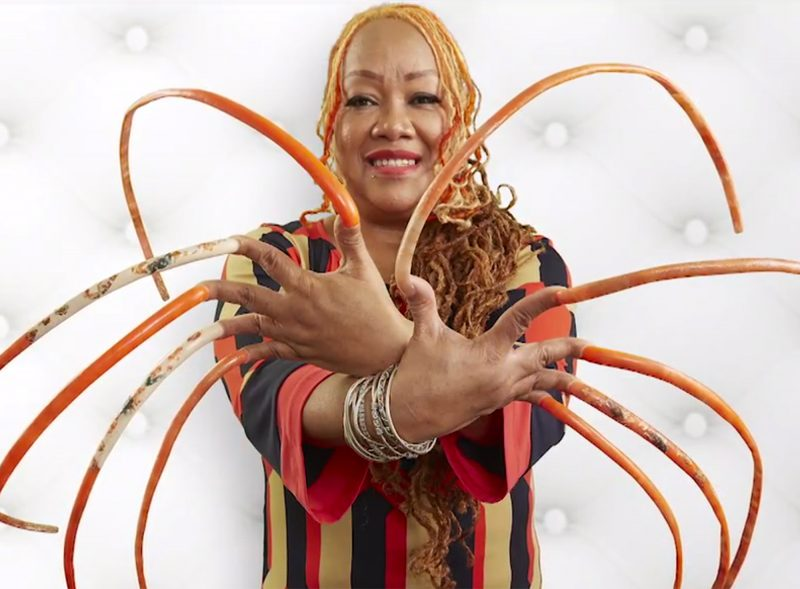 'I am still a queen!' Woman with longest fingernails cuts them after nearly 30 years (Photos)
