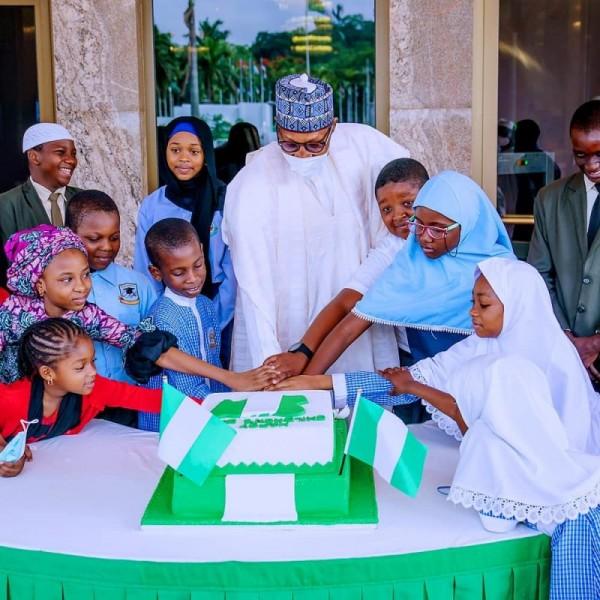 'Children's Day' President Buhari celebrates with children at Statehouse (photos)