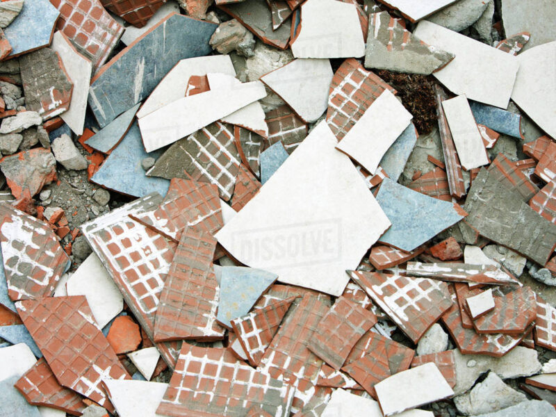 'Drama!' Tenant angrily removes tiles from landlord's house over refusal to share bill