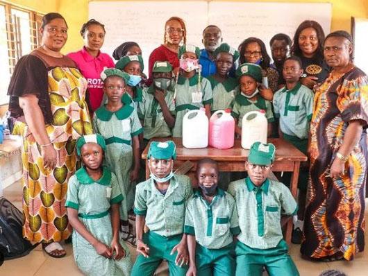 'Lovely!' Rotary Club, Olukayode Arike Foundation empower primary school students (Photos)